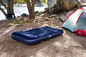 matelas gonflable camping plage
